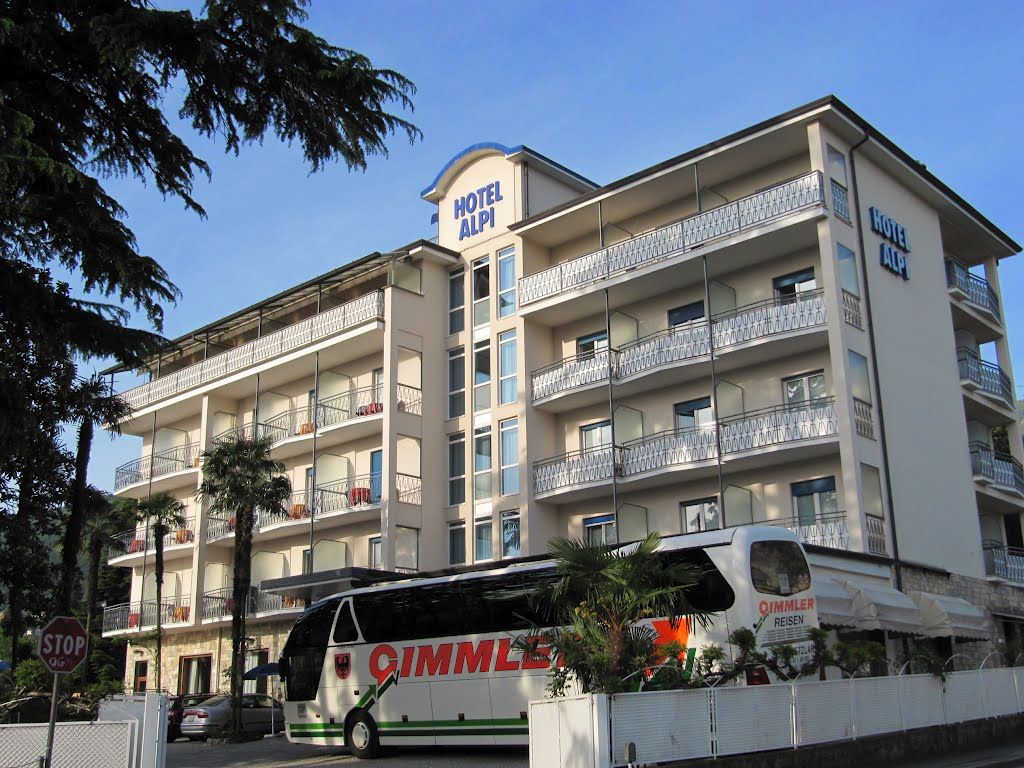 R servation d h tel lago maggiore incoming for Reservation dhotel